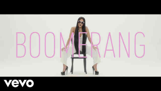 Lali – Boomerang Reaction