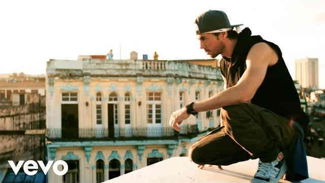 Enrique Iglesias – SUBEME LA RADIO (Official Video) ft. Descemer Bueno, Zion & Lennox